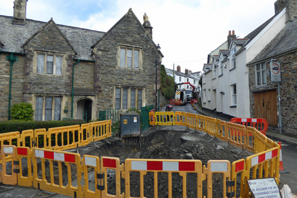 Large hole in Pilton Street for electricity repairs