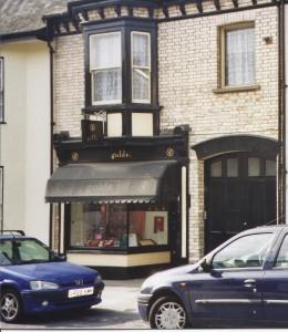 Golds, Pilton Street 2004
